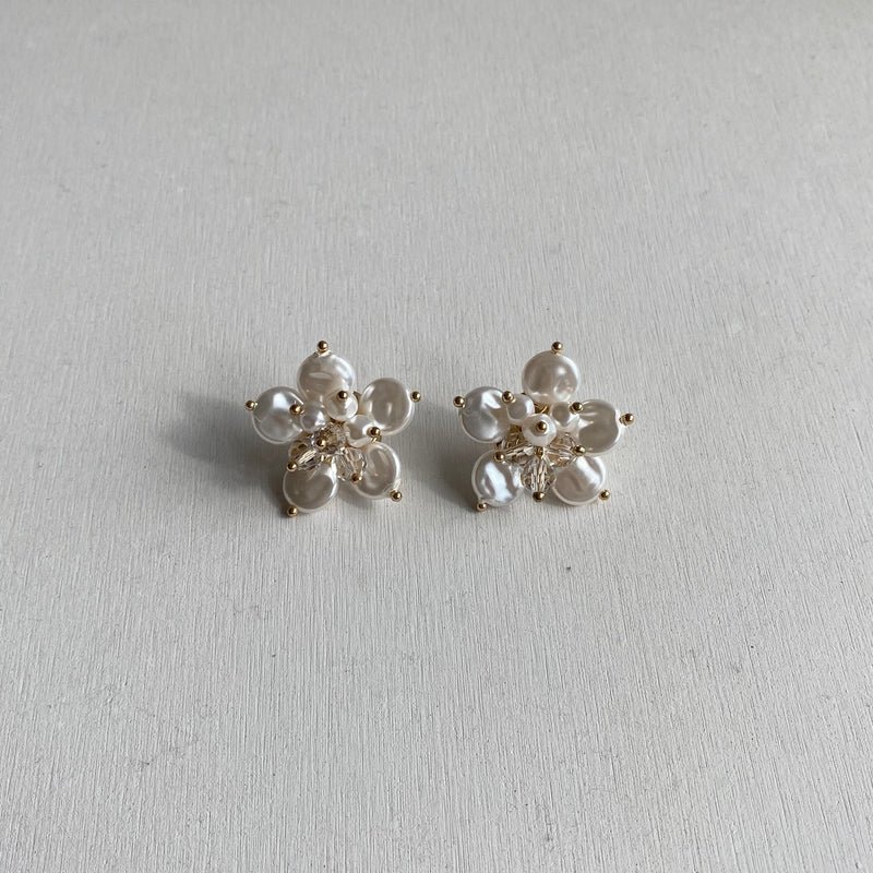 flower dot beads pierce
