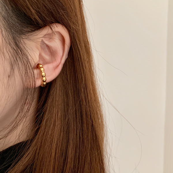 shiny ponde ear cuff