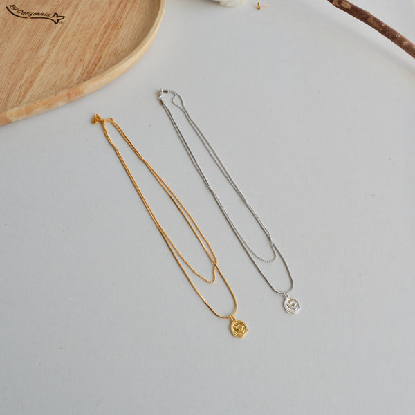coin to line necklace