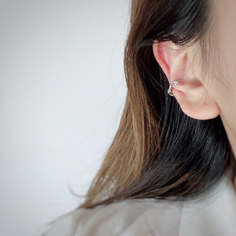 thin twist ear cuff