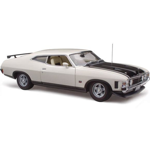 Image of CLASSIC CARLECTABLES Ford XA Falcon RP083 Coupe Polar White