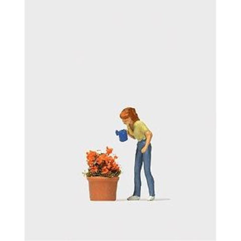 PREISER Watering the Flowers (590-28103)