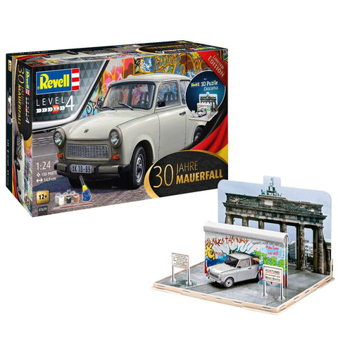 "REVELL 1/24 TRABANT 601S ""FALL OF THE BERLIN WALL 30TH ANNI"