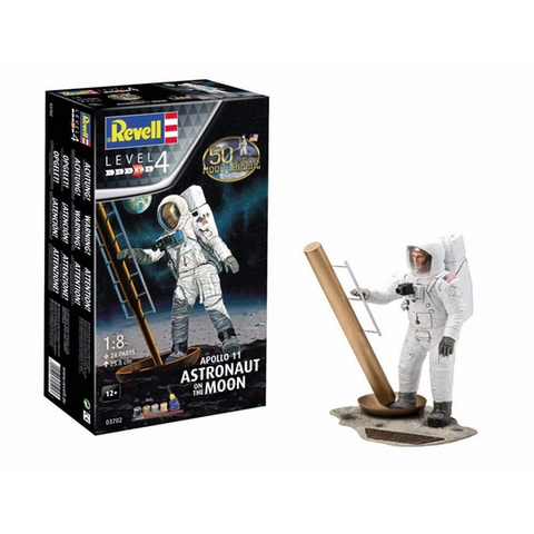 REVELL 1/8 Apollo 11 Astronaut on the Moon 50th Ann Plastic