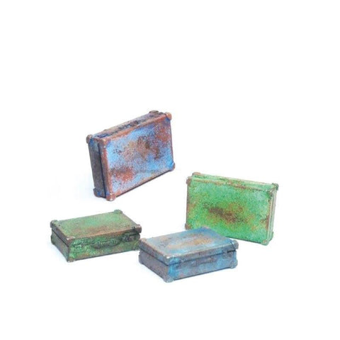 Vallejo SC226 Metal Suitcases Diorama Accessory