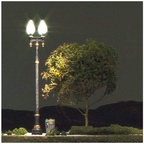 WOODLAND SCENICS O Double Lamp Post