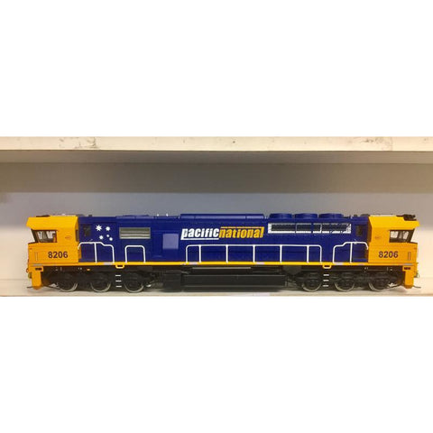 ON TRACK MODELS HO Pacific National 82 Class Loco 8206 DCC
