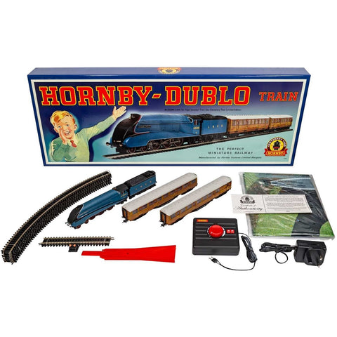 Image of HORNBY OO - Sir Nigel Gresley Centenary Year Limited Train