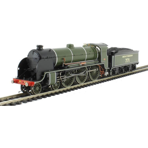 "HORNBY Class N15 4-6-0 751 ""Etarre"" & tender in SR Maunsell"