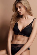 Load image into Gallery viewer, Triumph Amourette Charm Wirefree Padded Bra-- BRAND NEW!