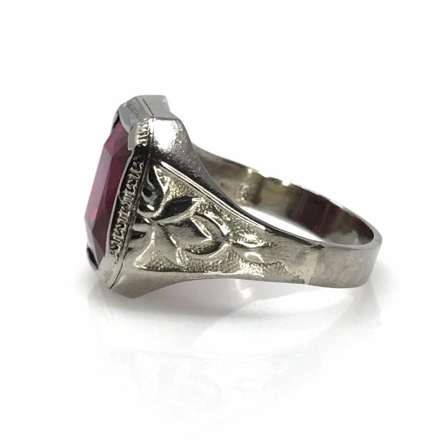 White gold ruby men's signet ring Art Deco, 1920s to 1930s