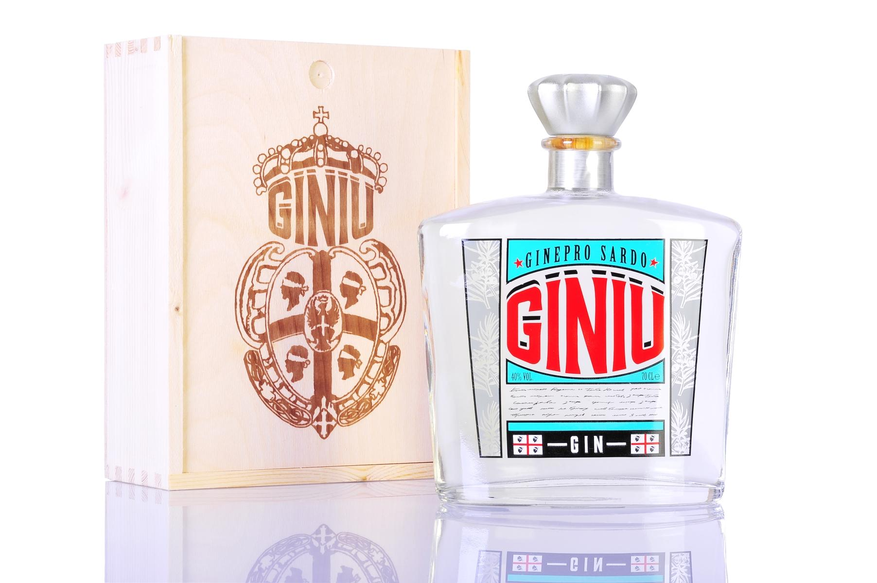 Giniu Sardinian Gin Spirit 70Cl 40% Vol. W/ Wooden Box
