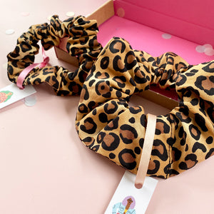 Mother and Daughter Matching Leopard Print Hair Scrunchies