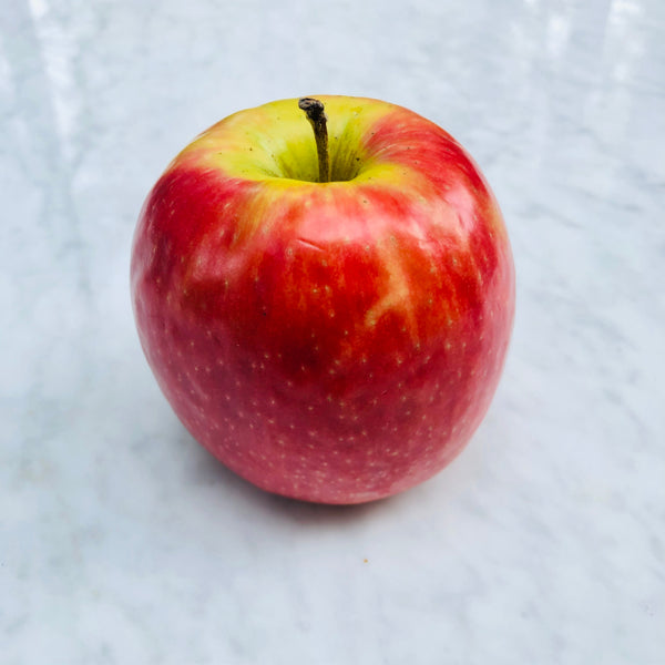 NEW SEASON Pink Lady Apple (1 unit large)