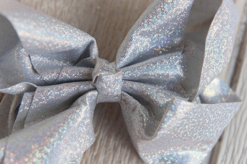 Holographic Bow - Silver