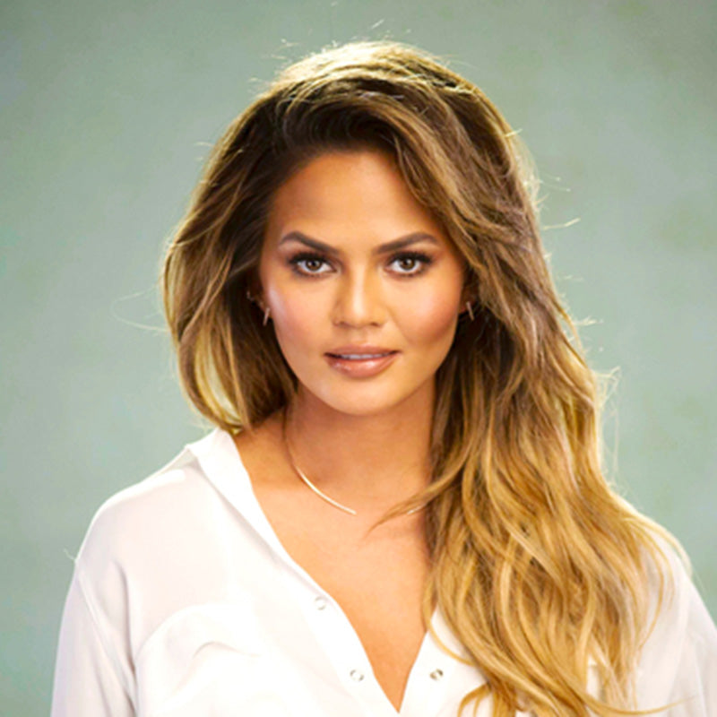 Chrissy Teigen Wearing EF Collection Open Diamond Collar Necklace