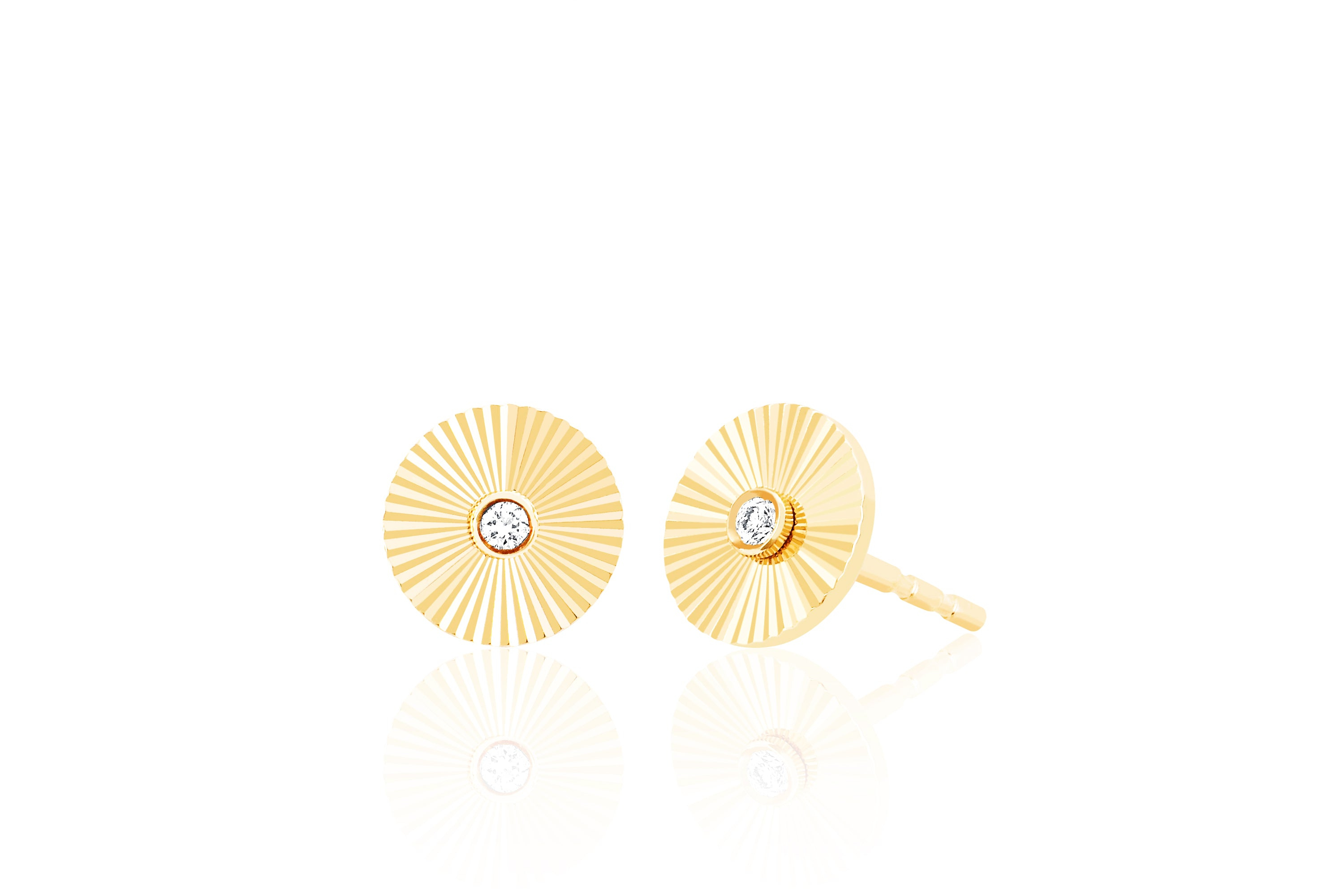Diamond Fluted Disc Stud Earring