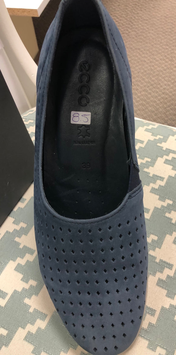 Navy ecco shoes size 8.5