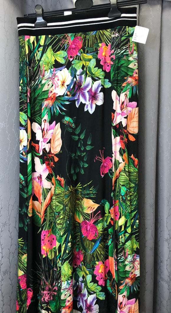 Kapalua floral full length skirt in Sz 8