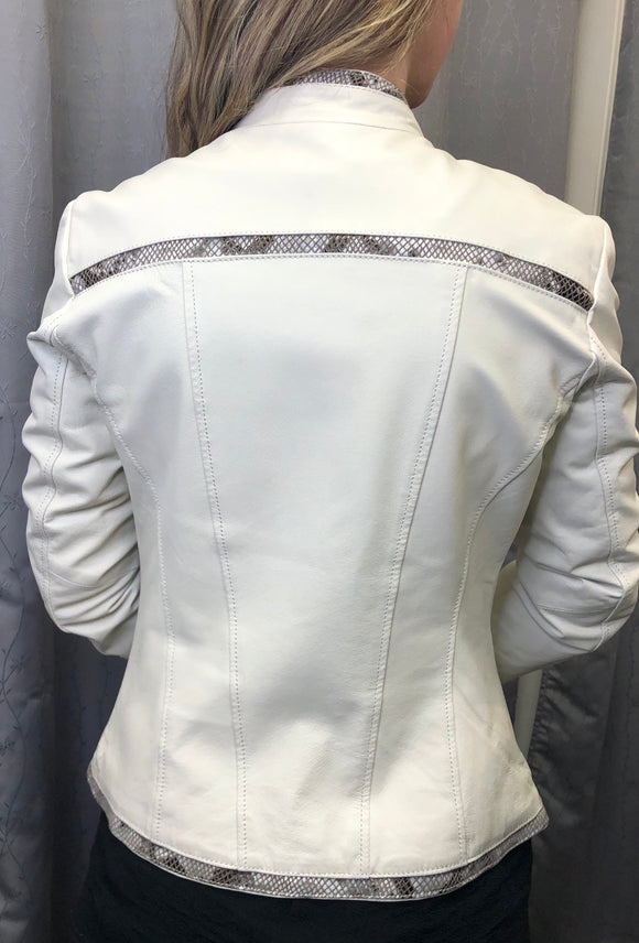 Danier cream leather jacket in Sz S