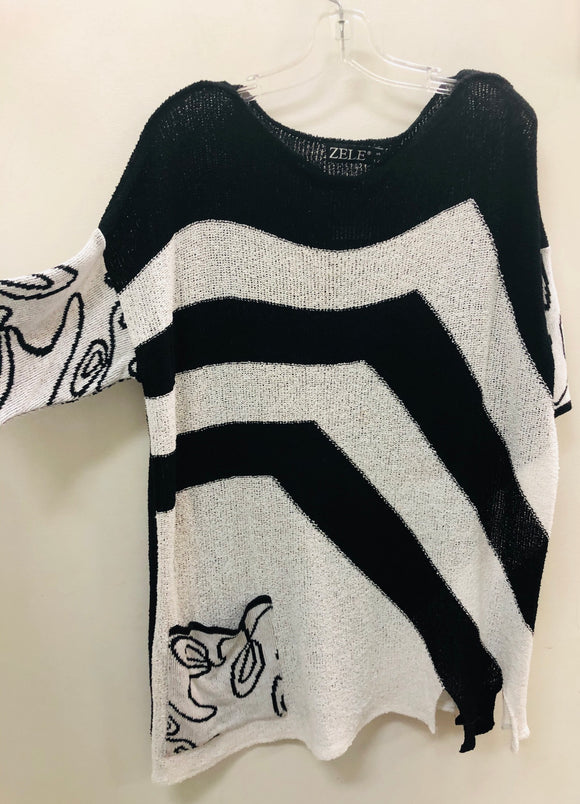 White and black tunic sweater