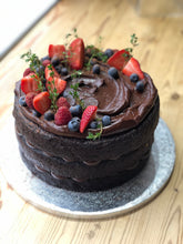 Load image into Gallery viewer, Vegan Chocolate Fudge Cake