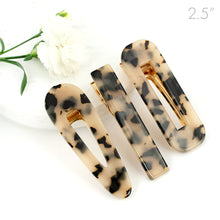 Load image into Gallery viewer, Leopard Marble Design on Golden Beak Clip - Set of 3