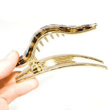 Load image into Gallery viewer, Animal Print Gold Plastic Forked Beak Clip
