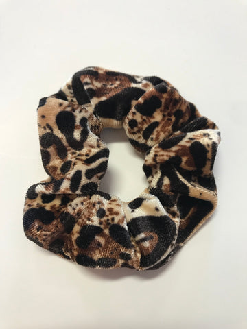 Crushing On You Leopard Velvet Srunchie