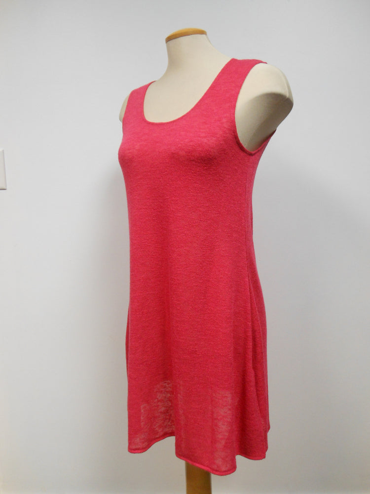 Pretty Woman Sleeveless Tunic Red size Large only