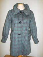 Pretty Woman 408 norma, green plaid coat