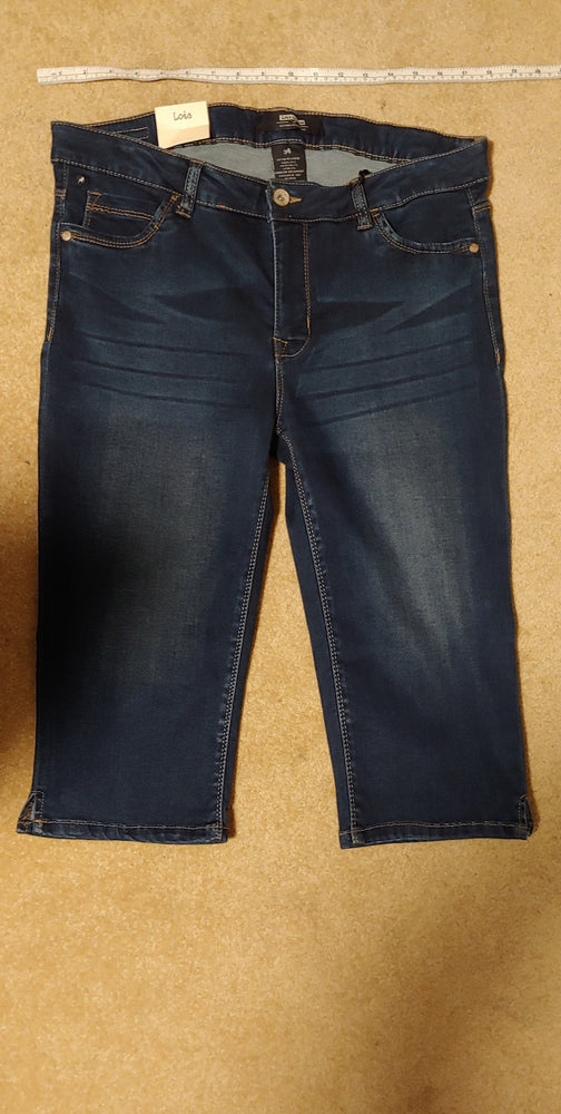 Georgia Denim Capri by Lois, size 34