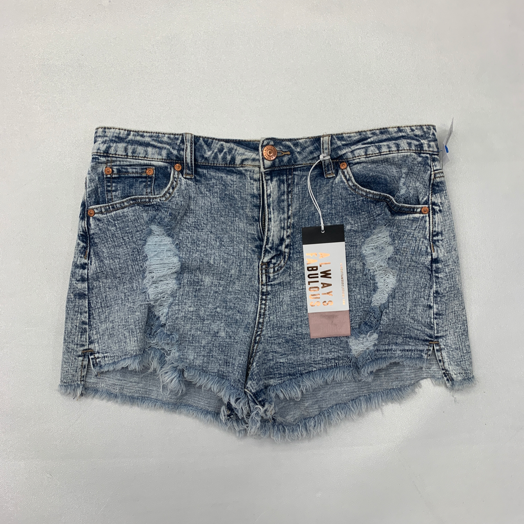 Almost Famous Shorts Size 15/16
