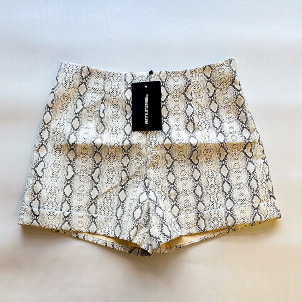 Pretty Little Things Shorts Size 5/6