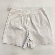 Load image into Gallery viewer, Dressbarn Shorts Size 5/6
