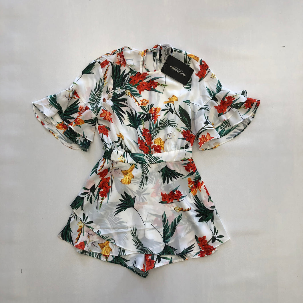 Pretty Little Things Womens Romper Size 3/4 (27)-78870B4B-07C9-43D3-ADEE-89B3A0D0F8FA.jpeg
