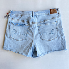 Load image into Gallery viewer, American Eagle Shorts Size 11/12