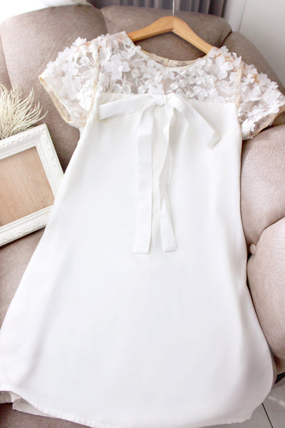 Daphne dress in white