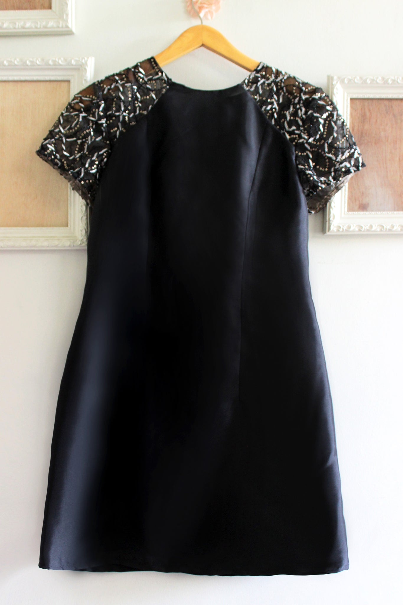 Xandar dress in black