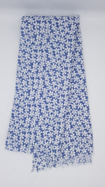Load image into Gallery viewer, Daisy Print Scarf Blue