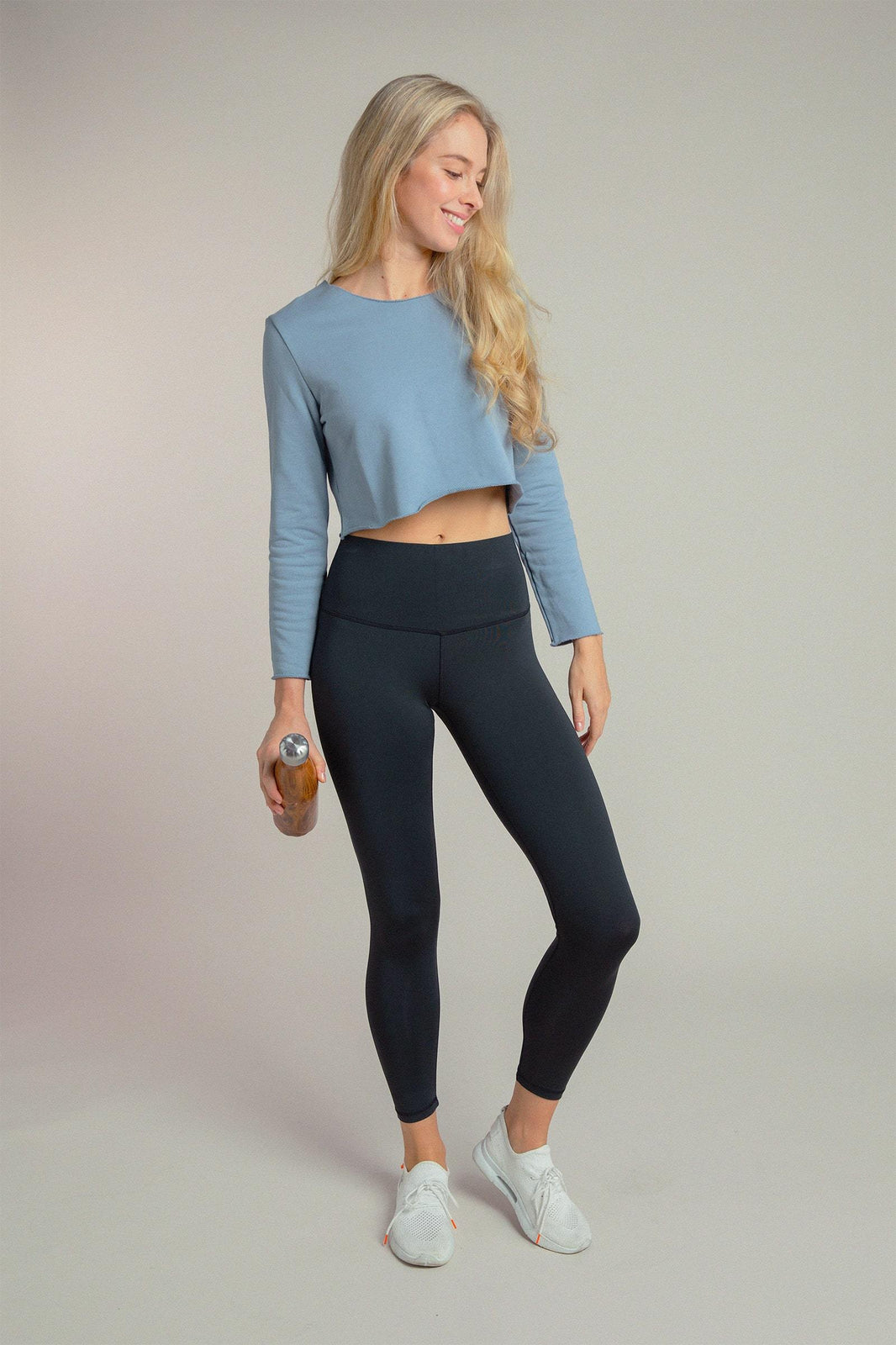 Crop Sweatshirt in Dusty Blue