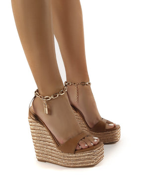 Idolize Wide Fit Tan Padlock And Chain Detail Wedged Heels
