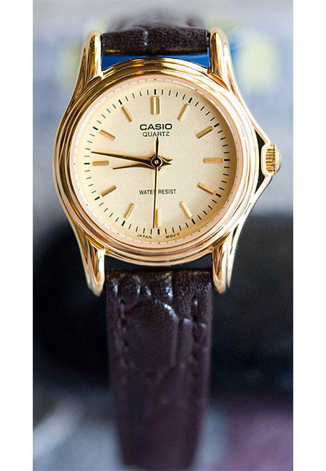 Casio LTP-1096Q-9A Ladies Gold Analogue Dress Watch Leather Band