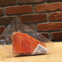 Load image into Gallery viewer, Thunder's Catch Wild-Caught Sockeye Alaskan Salmon Fillets 6 oz