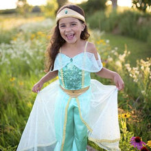 Load image into Gallery viewer, Great Pretenders Jasmine Princess Set SZ 5-6