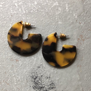Selena Marbled Earring in Tortoise