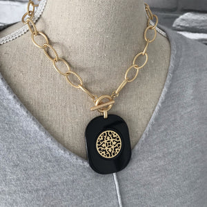 Inner Balance Necklace in Jet