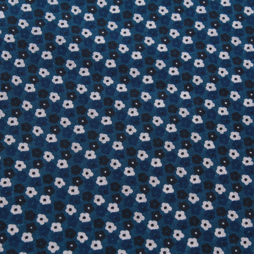 "Daisy Chain 100% Cotton Printed Poplin 60"" Wide (150cm) Blue"