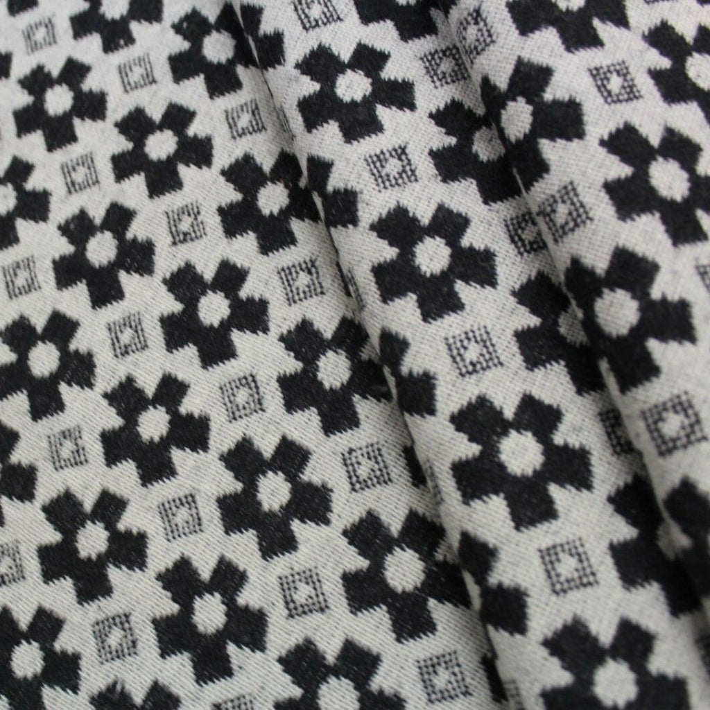 Premium Wool Black & White Collection Geometric Flowers
