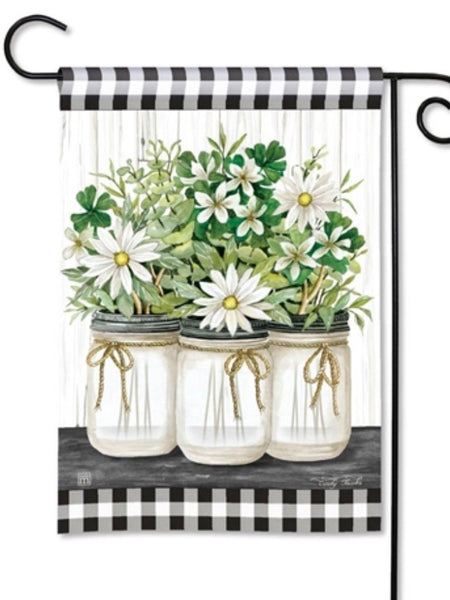 Farmhouse Daisies Garden Flag (Flag Stand Sold Separately)